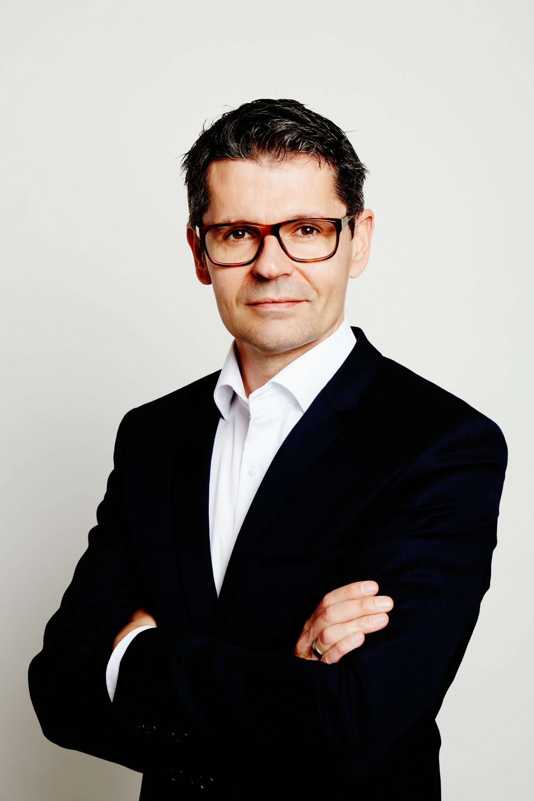 Dr. Thomas Haller
